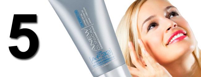 ANEW Clinical Line Perfector con A-F33 de AVON