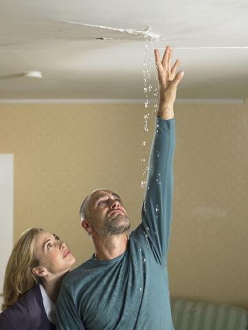 C mo eliminar la humedad y las goteras for Humedad ideal en casa