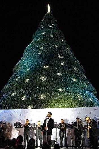 el rbol de navidad de swarovski ya est en el palacio de hierro