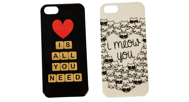 Llena cada una de las llamadas que recibas con dosis de amor, con las increíbles case para tu celular de FOREVER 21 www.forever21.com