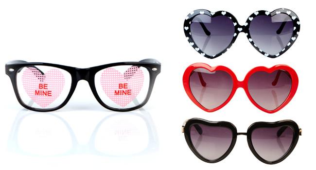 """Haz que tus amigas vean todo lo que todo lo que las rodea con amor, regalándoles uno de los lentes de la colección """"Día de San Valentín"""" de FOREVER 21 www.forever21.com"""