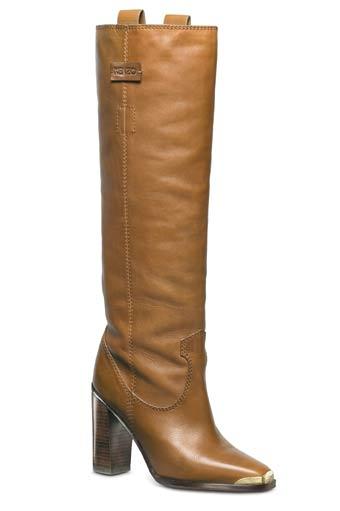 En piel café, a la rodilla, de estilo vaquero con punta dorada, KENZO.