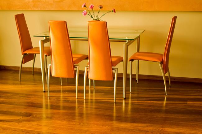 Efecto de los colores en la decoración de tu casa: comedor naranja
