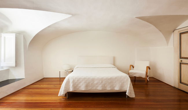 Efecto de los colores en la decoración de tu casa: recámara blanca