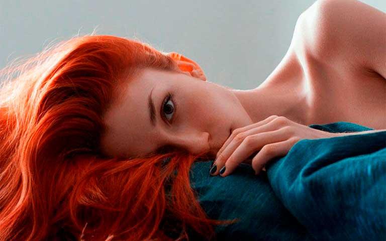 que color de cabello llama más la atención
