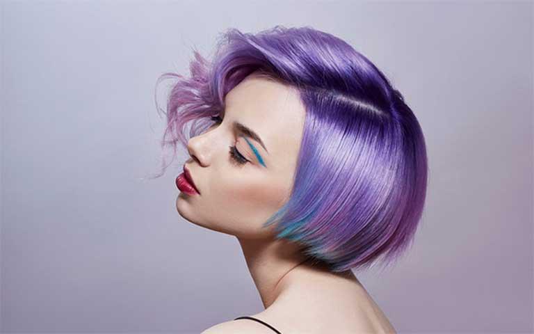 significado cabello color violeta