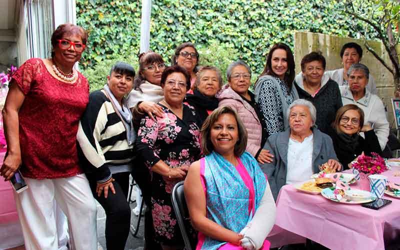 mujeres con cáncer de mama