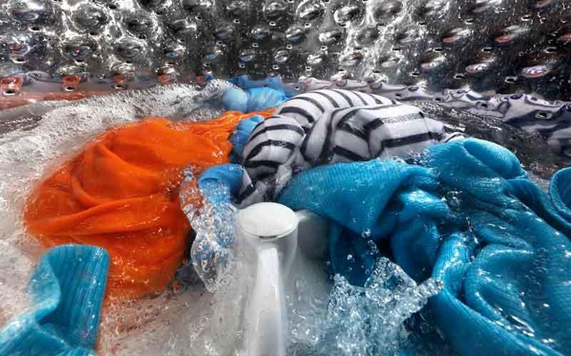 como lavar ropa de color sin desteñir