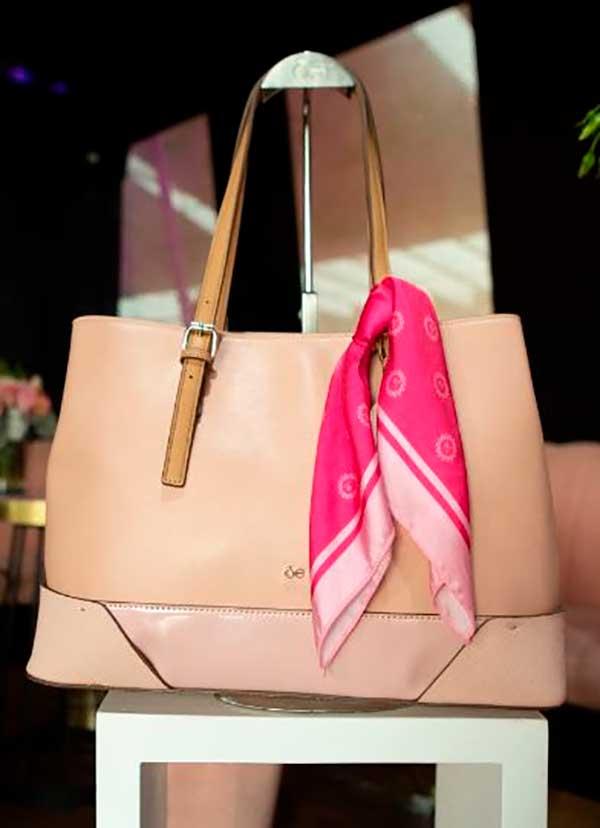 bolsa Cloe especial contra el cáncer de mama