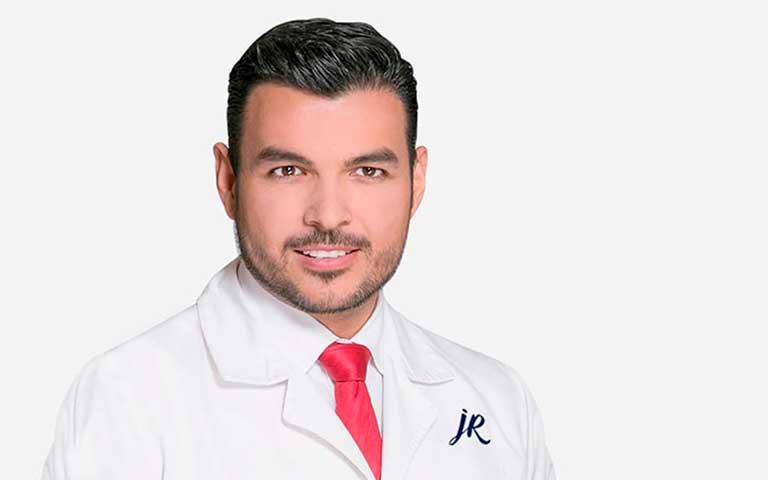 Dr. José Romeo Castillo, cirujano plástico en CDMX