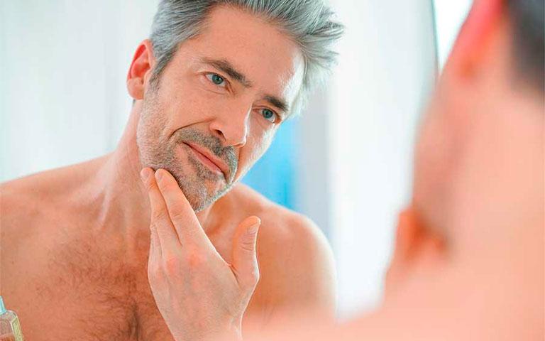 Dermatitis seborreica, melasma y foliculitis afecciones más comunes en hombres