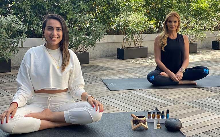 Alma Consciente, profesora de meditación y TethaHealer, acompañada por Angie Taddei