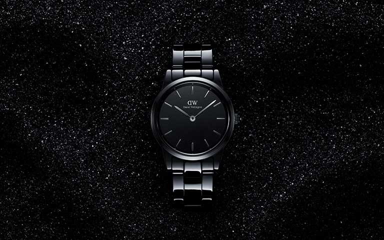 "Lanza Daniel Wellington el ""Little Black Watch"", su Iconic Link Ceramic"