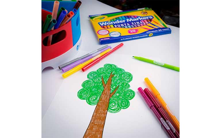 Crayola lanza innovadores plumones Wonder Markers